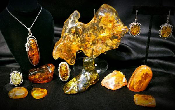 Mineral in Amber